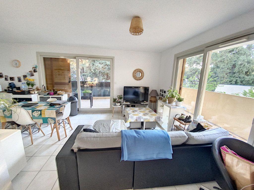Appartement à vendre 3 62m2 à Montfavet - Avignon vignette-6