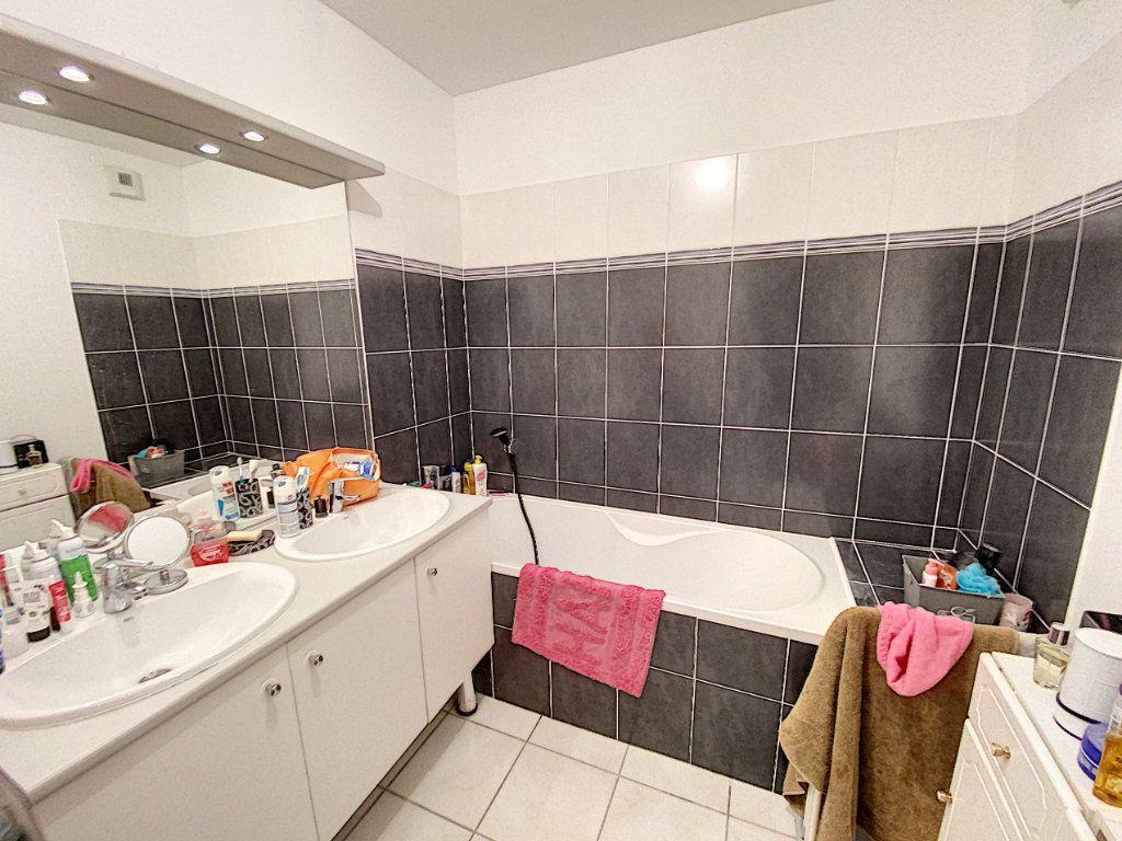 Appartement à vendre 3 62m2 à Montfavet - Avignon vignette-9