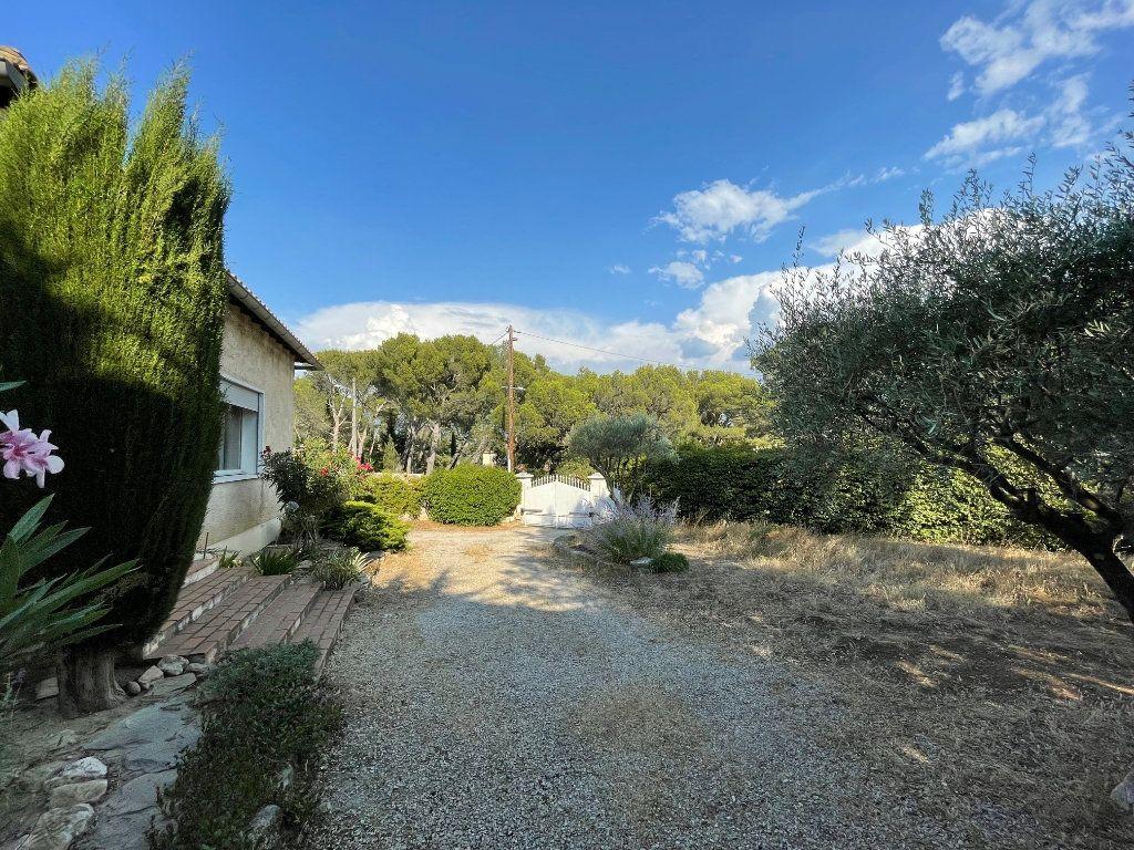 Maison à vendre 4 115m2 à Villeneuve-lès-Avignon vignette-3