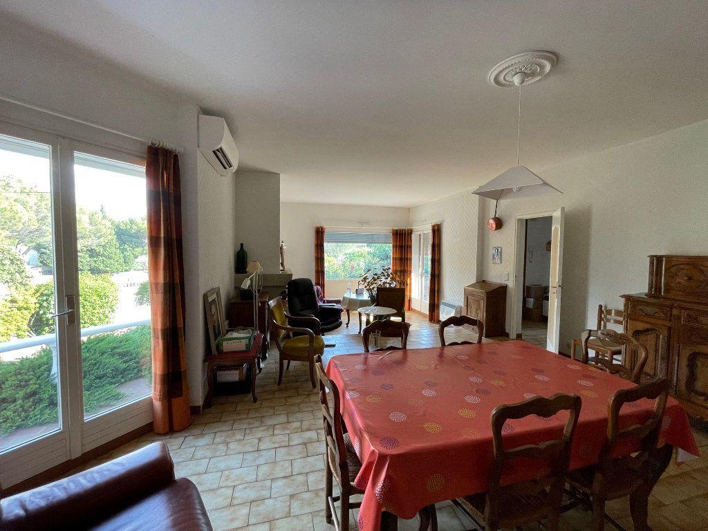 Maison à vendre 4 115m2 à Villeneuve-lès-Avignon vignette-5