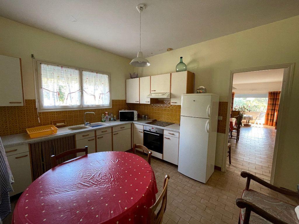 Maison à vendre 4 115m2 à Villeneuve-lès-Avignon vignette-6