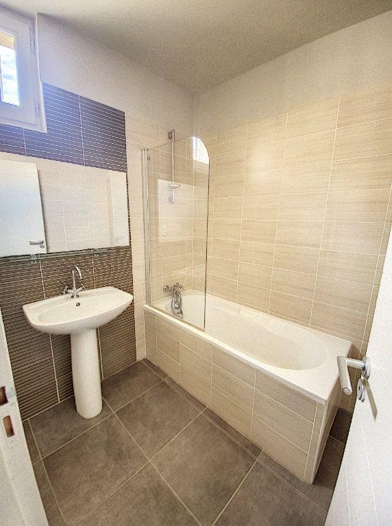 Appartement à vendre 3 67.65m2 à Avignon vignette-8