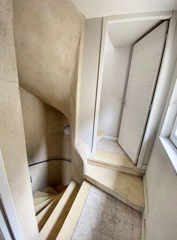 Appartement à vendre 3 67.65m2 à Avignon vignette-10
