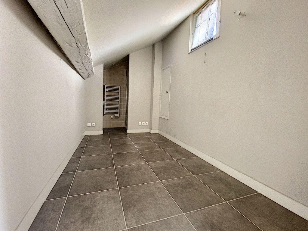 Appartement à vendre 3 67.65m2 à Avignon vignette-12