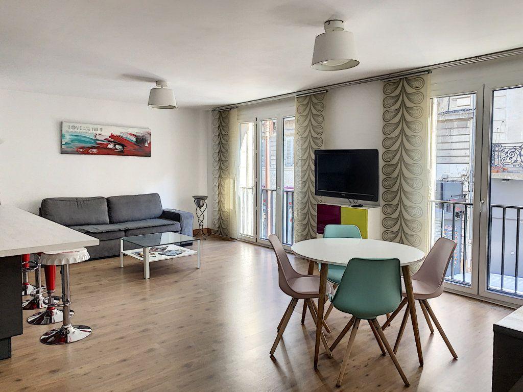 Appartement à vendre 2 64m2 à Avignon vignette-1