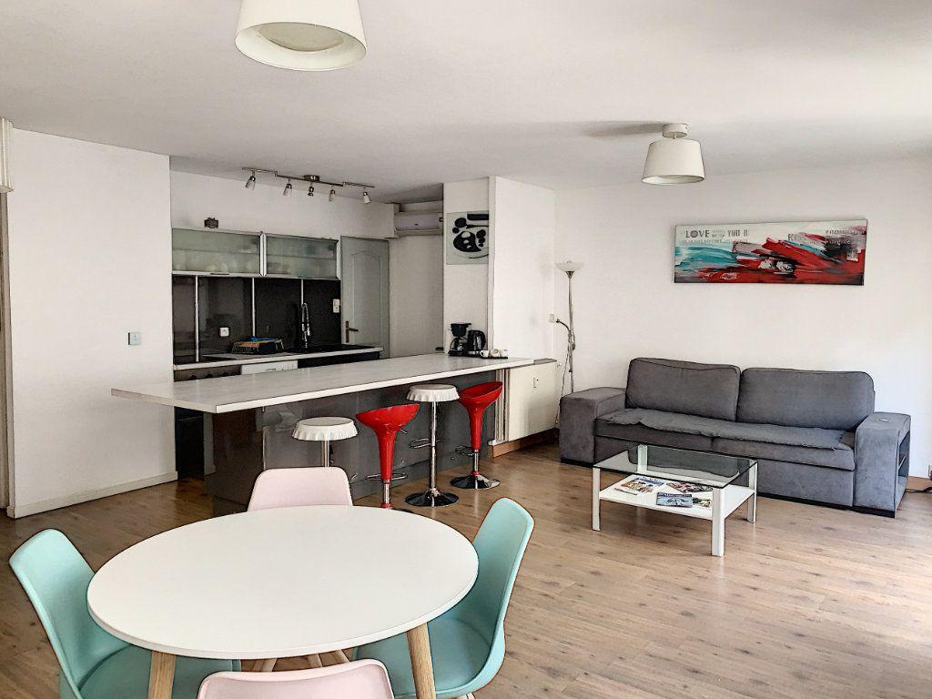 Appartement à vendre 2 64m2 à Avignon vignette-2