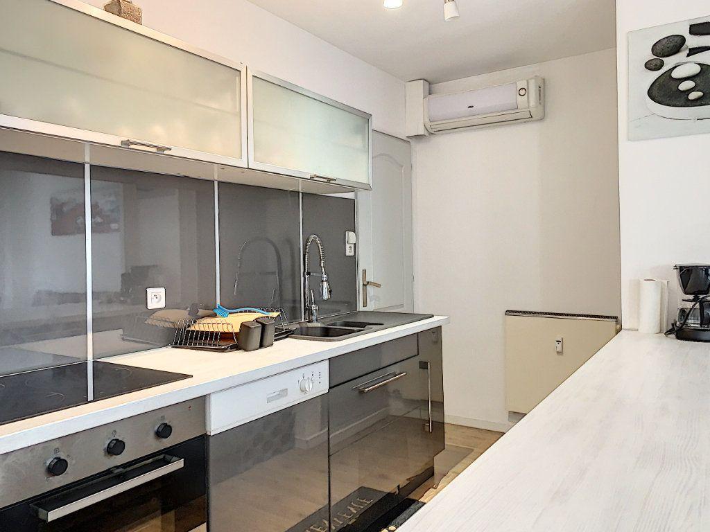 Appartement à vendre 2 64m2 à Avignon vignette-3