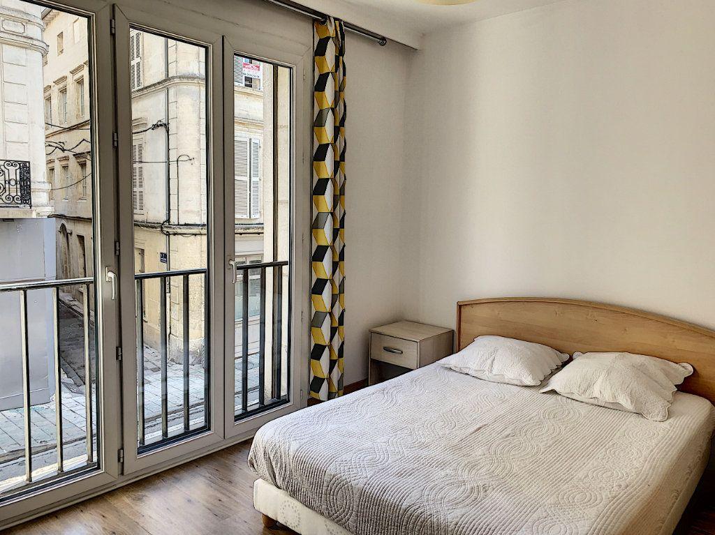 Appartement à vendre 2 64m2 à Avignon vignette-4
