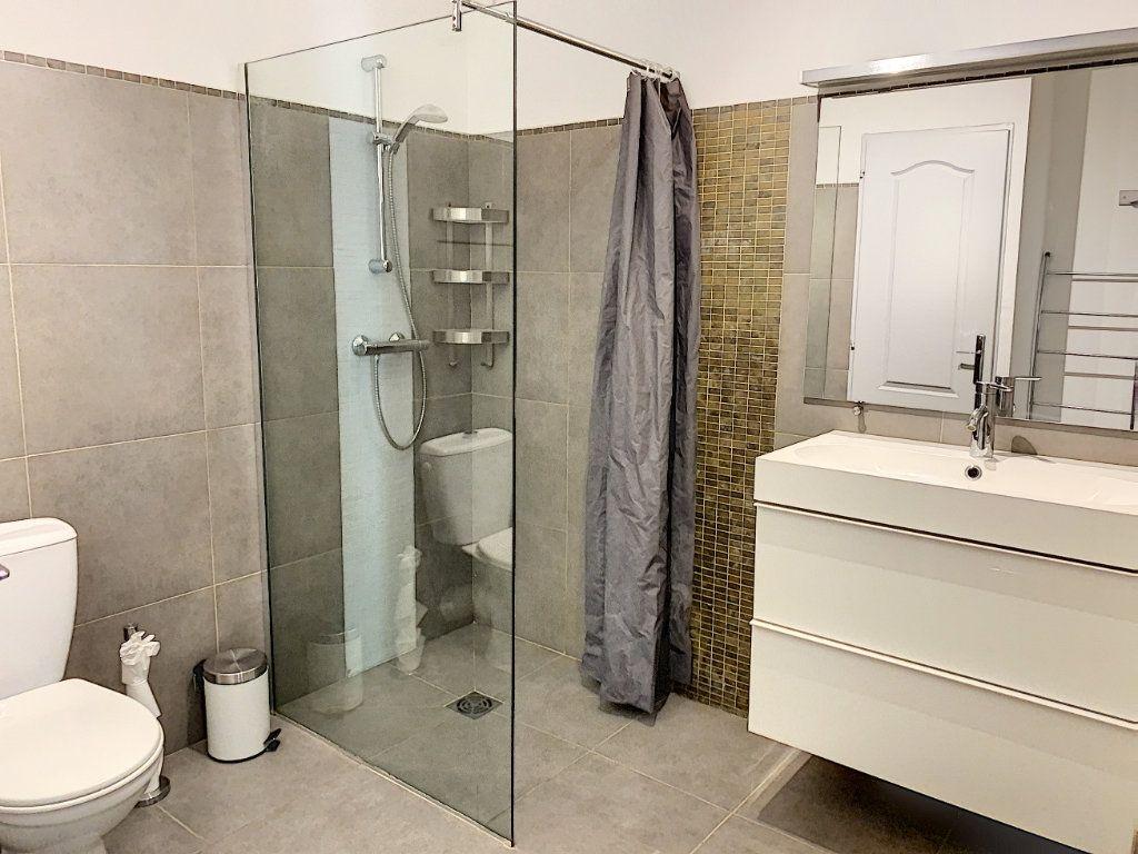 Appartement à vendre 2 64m2 à Avignon vignette-5