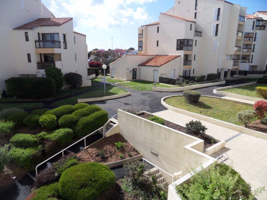 Appartement à louer 3 56.8m2 à La Rochelle vignette-7