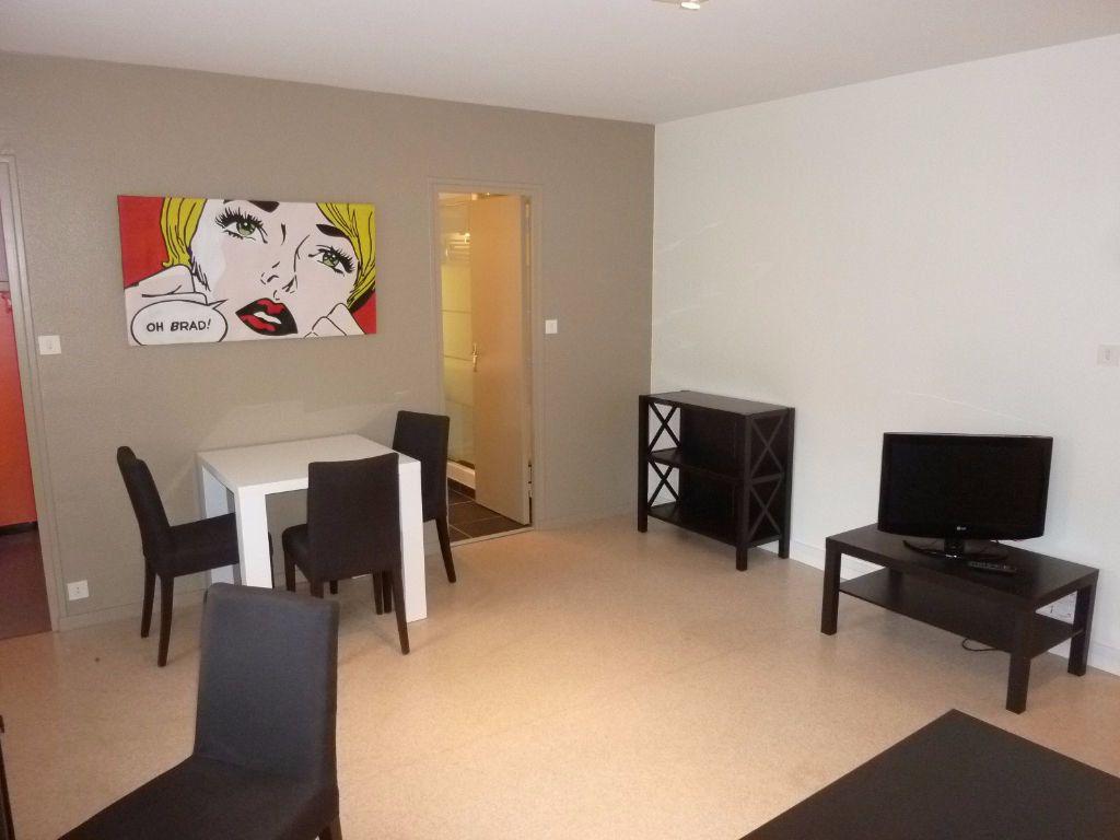 Appartement à louer 1 32.16m2 à La Rochelle vignette-5