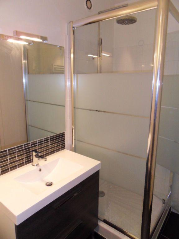 Appartement à louer 1 32.16m2 à La Rochelle vignette-8
