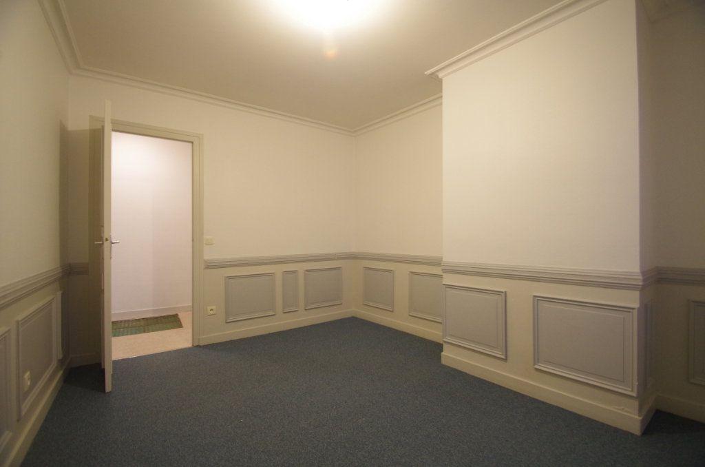 Appartement à louer 3 72.94m2 à La Rochelle vignette-6