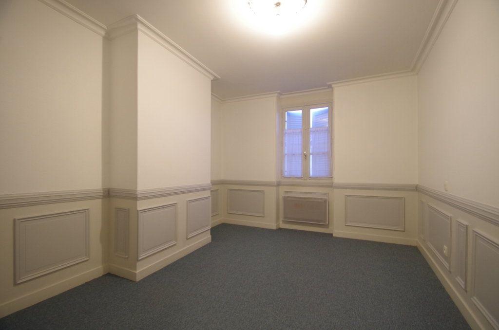 Appartement à louer 3 72.94m2 à La Rochelle vignette-7