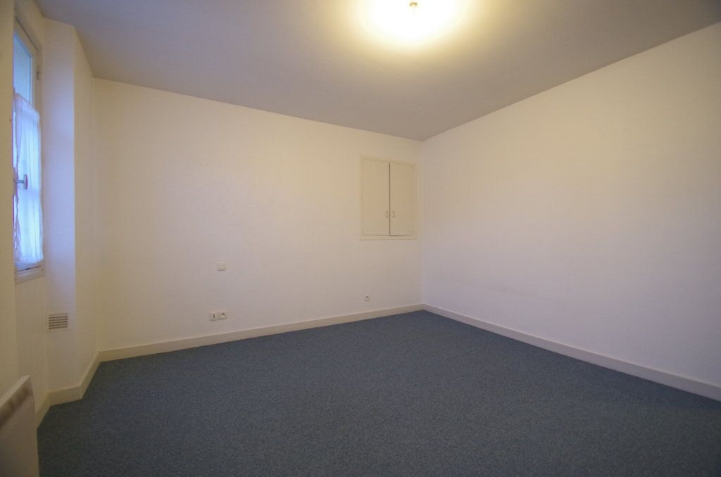 Appartement à louer 3 72.94m2 à La Rochelle vignette-8