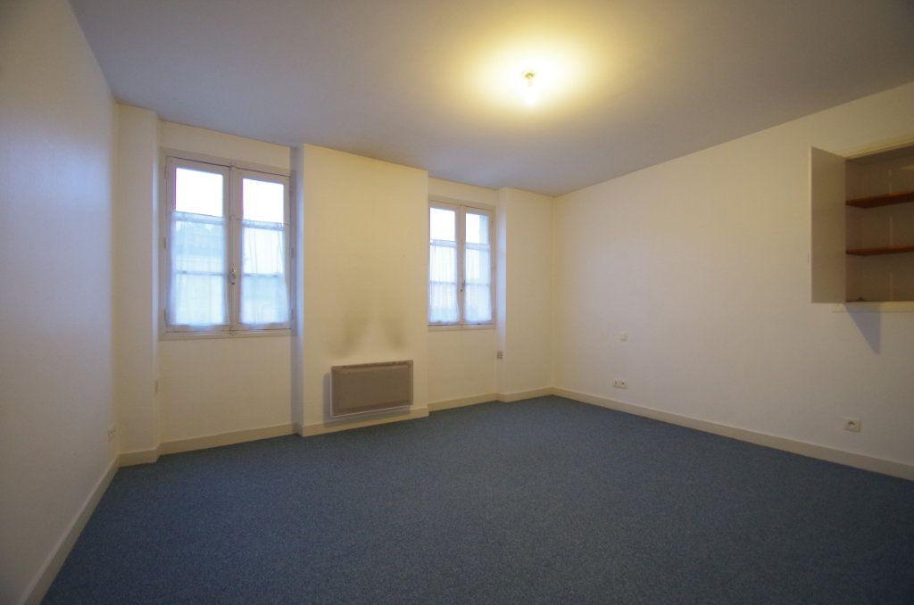 Appartement à louer 3 72.94m2 à La Rochelle vignette-9