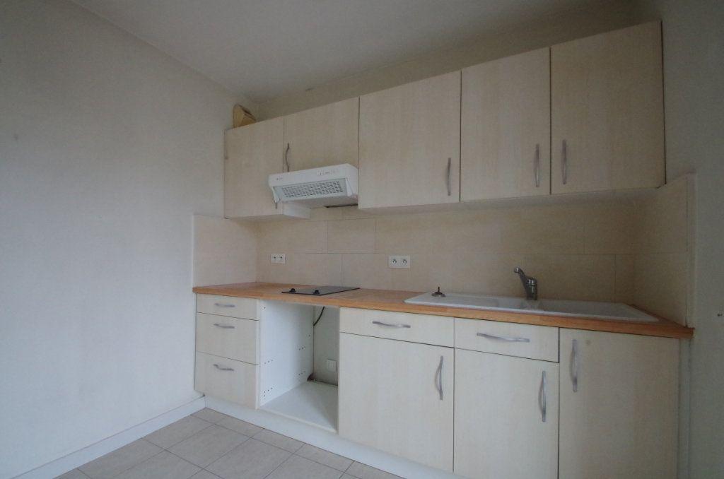 Appartement à louer 2 36.82m2 à La Rochelle vignette-1