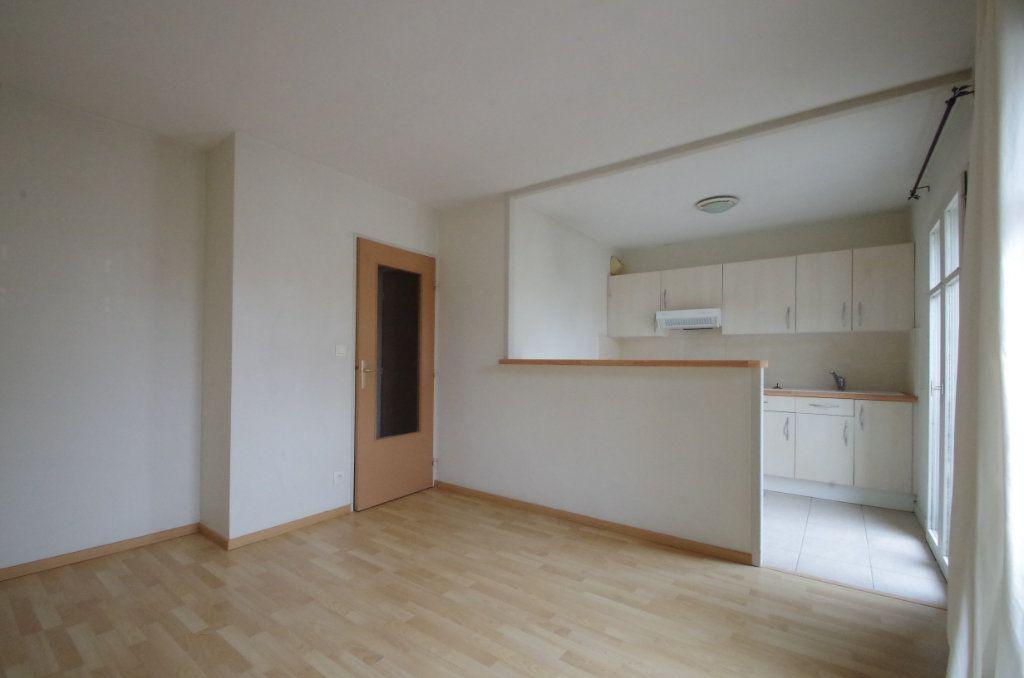 Appartement à louer 2 36.82m2 à La Rochelle vignette-2