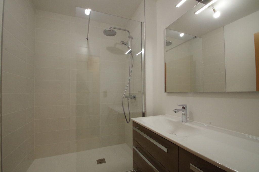 Appartement à louer 2 36.82m2 à La Rochelle vignette-4