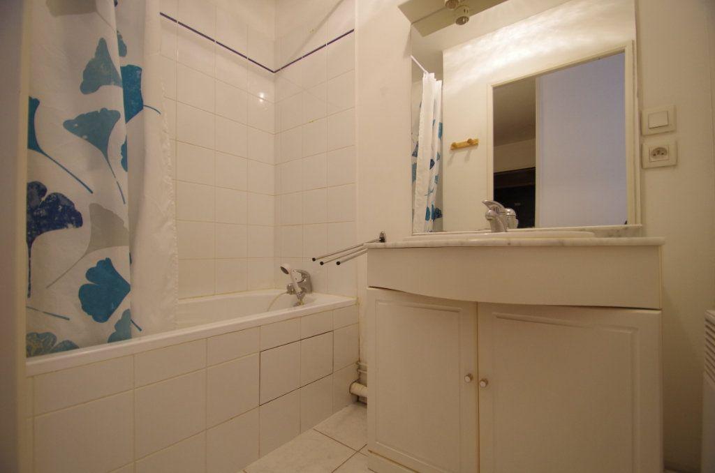 Appartement à vendre 2 38.55m2 à La Rochelle vignette-5