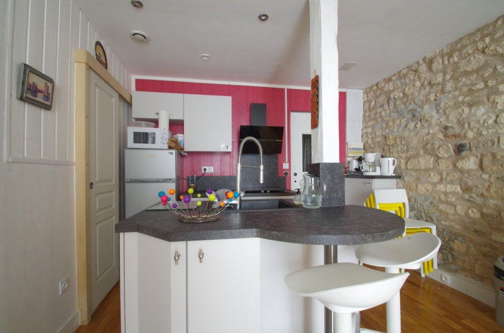 Appartement à vendre 2 38.3m2 à La Rochelle vignette-5