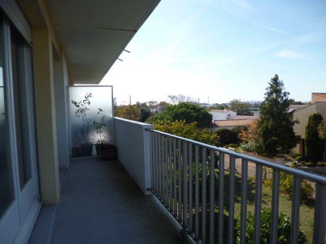 Appartement à vendre 3 80m2 à La Rochelle vignette-3