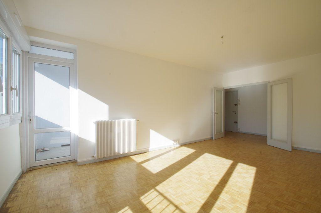 Appartement à louer 4 80.7m2 à La Rochelle vignette-2