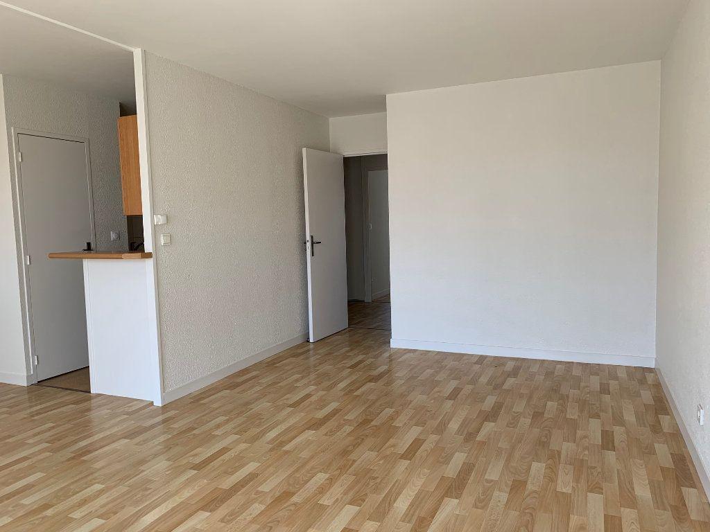 Appartement à vendre 3 66.48m2 à La Rochelle vignette-3