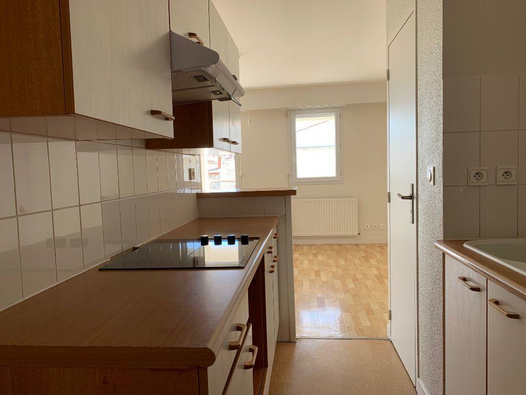 Appartement à vendre 3 66.48m2 à La Rochelle vignette-4