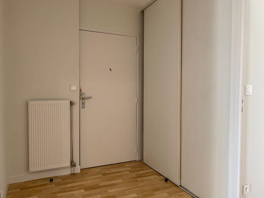 Appartement à vendre 3 66.48m2 à La Rochelle vignette-7