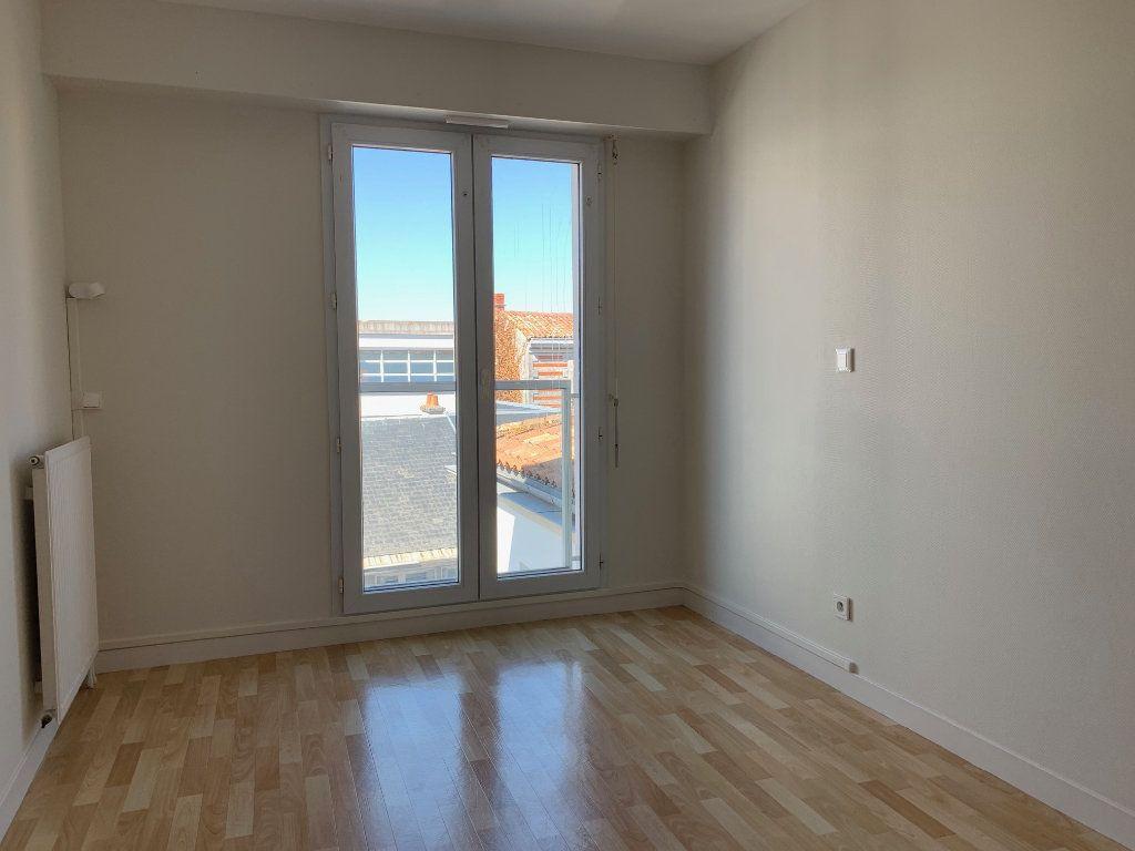 Appartement à vendre 3 66.48m2 à La Rochelle vignette-9
