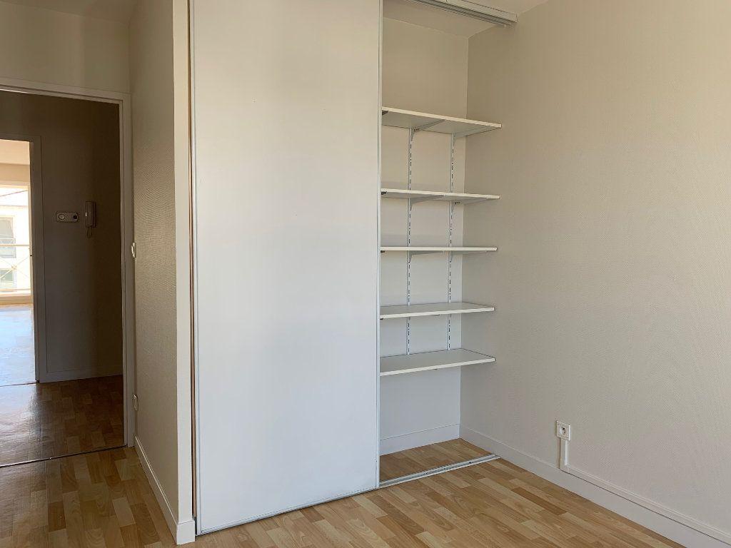 Appartement à vendre 3 66.48m2 à La Rochelle vignette-12