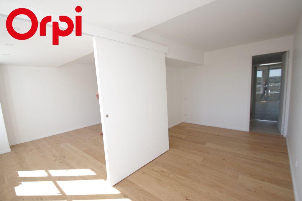 Appartement à vendre 3 72m2 à La Rochelle vignette-3