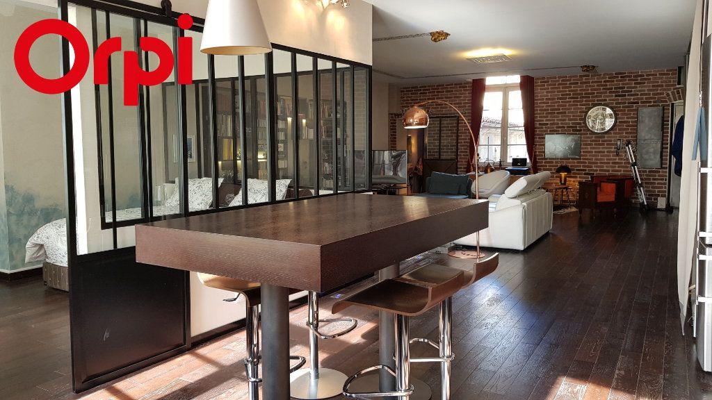 Appartement à vendre 2 92.54m2 à La Rochelle vignette-1