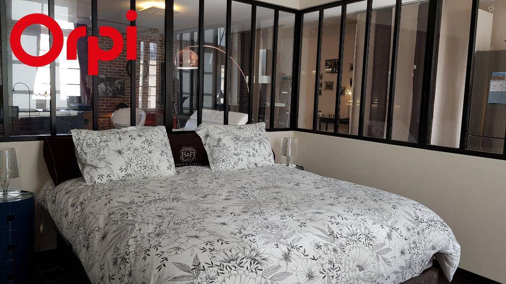 Appartement à vendre 2 92.54m2 à La Rochelle vignette-4