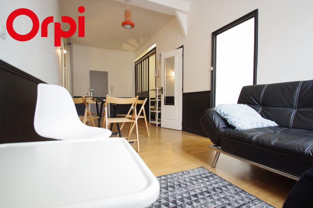 Appartement à vendre 2 37.85m2 à La Rochelle vignette-1