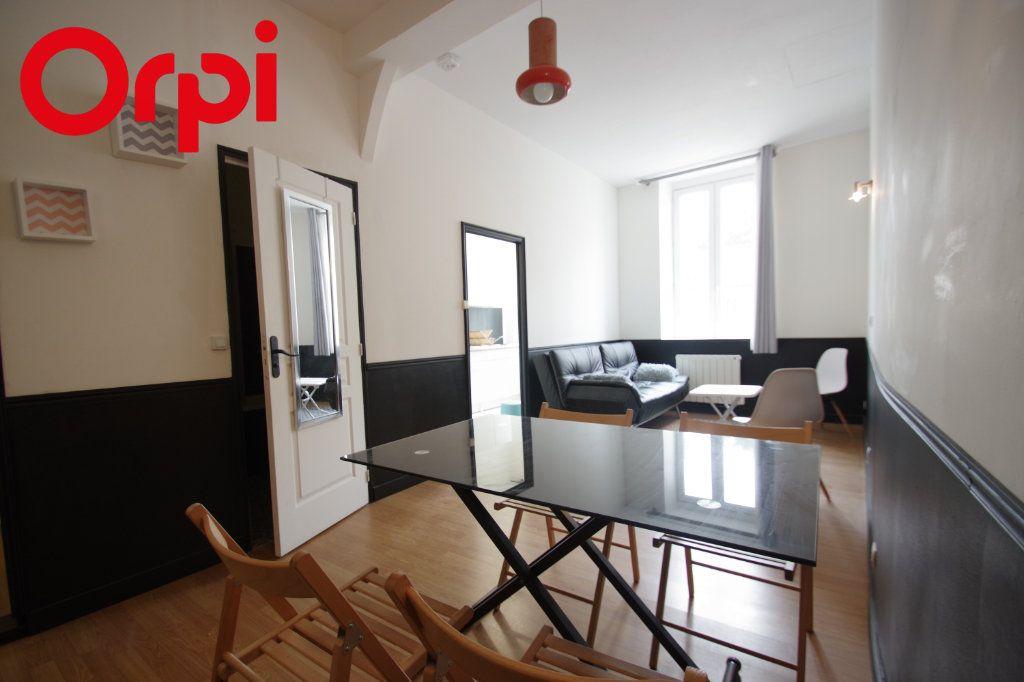 Appartement à vendre 2 37.85m2 à La Rochelle vignette-9
