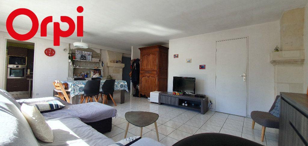 Appartement à vendre 3 63m2 à La Rochelle vignette-1