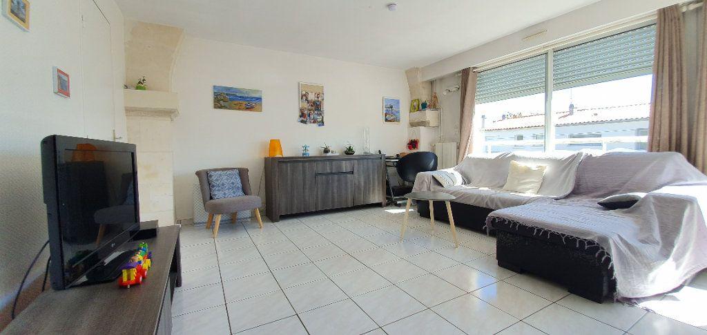 Appartement à vendre 3 63m2 à La Rochelle vignette-3