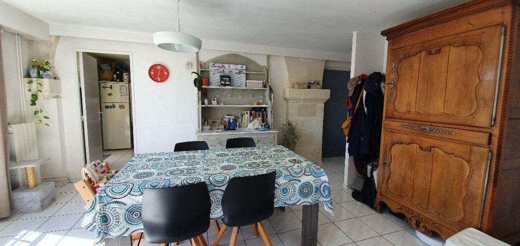 Appartement à vendre 3 63m2 à La Rochelle vignette-6
