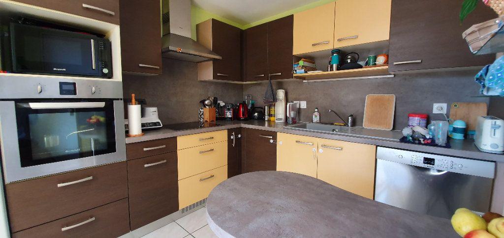 Appartement à vendre 3 63m2 à La Rochelle vignette-8