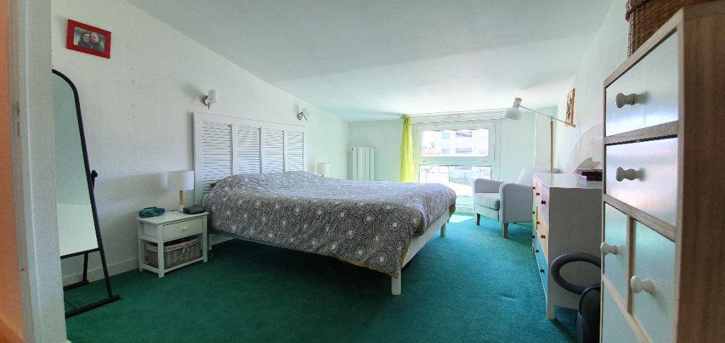 Appartement à vendre 3 63m2 à La Rochelle vignette-11