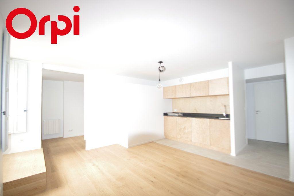 Appartement à vendre 2 42m2 à La Rochelle vignette-1