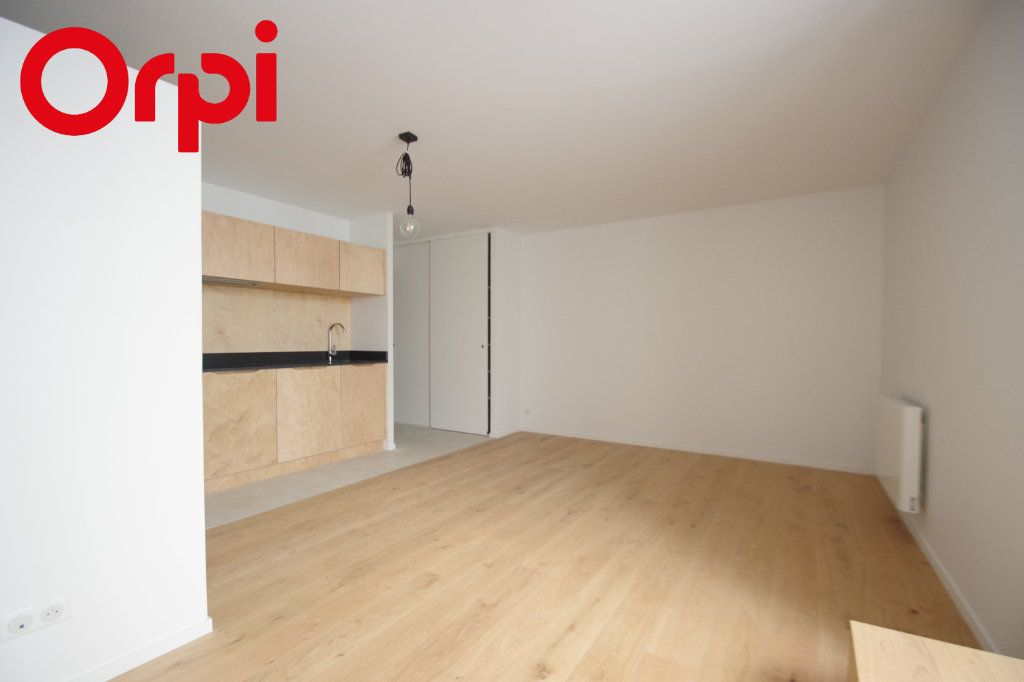 Appartement à vendre 2 42m2 à La Rochelle vignette-2