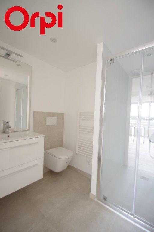 Appartement à vendre 2 42m2 à La Rochelle vignette-3