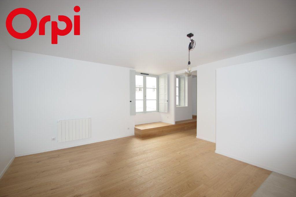 Appartement à vendre 2 42m2 à La Rochelle vignette-4