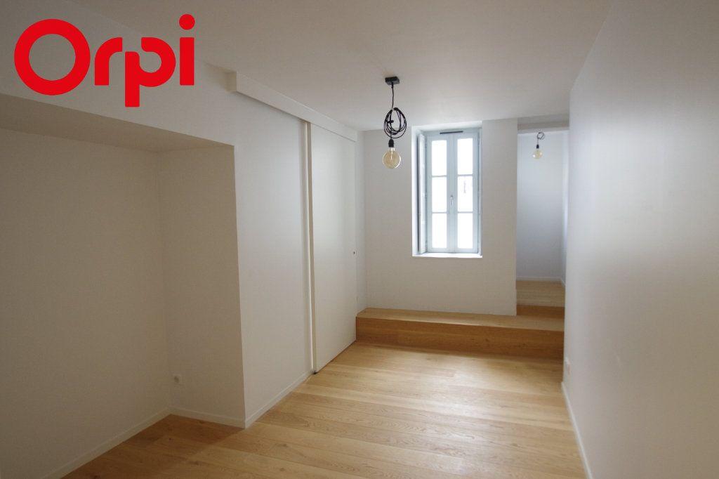 Appartement à vendre 2 42m2 à La Rochelle vignette-7