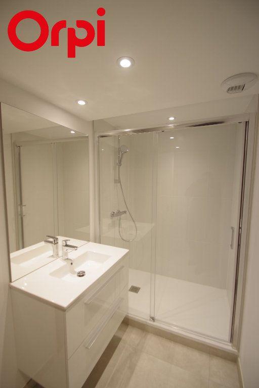 Appartement à vendre 1 50m2 à La Rochelle vignette-4