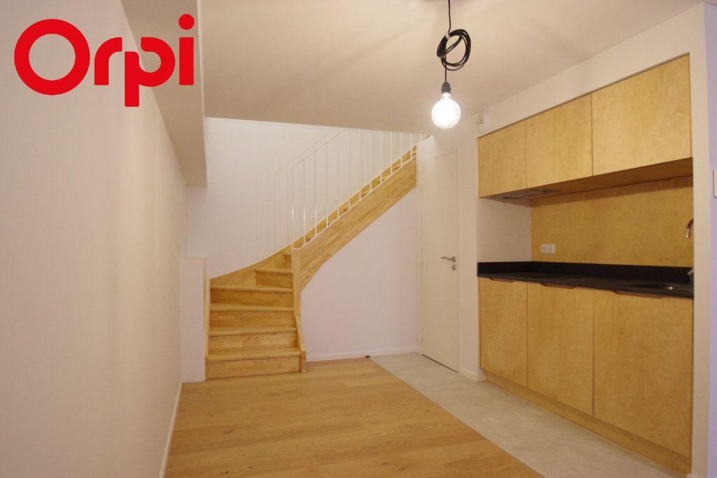 Appartement à vendre 1 50m2 à La Rochelle vignette-5