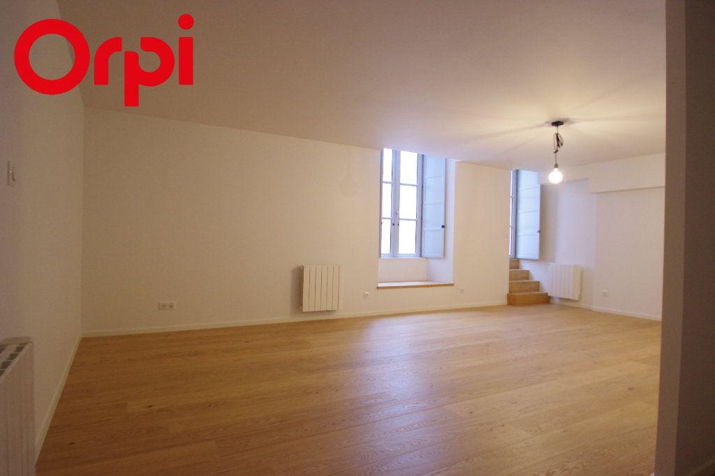 Appartement à vendre 1 50m2 à La Rochelle vignette-6